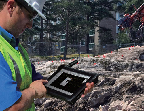 Outdoor Tablet mit RTK GNSS Antenne
